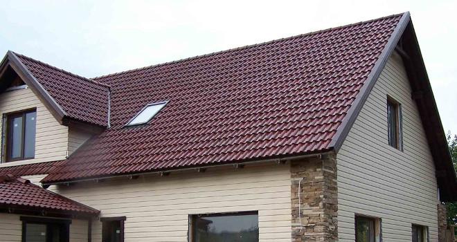 Выбираем между четырех- и двускатной крышей